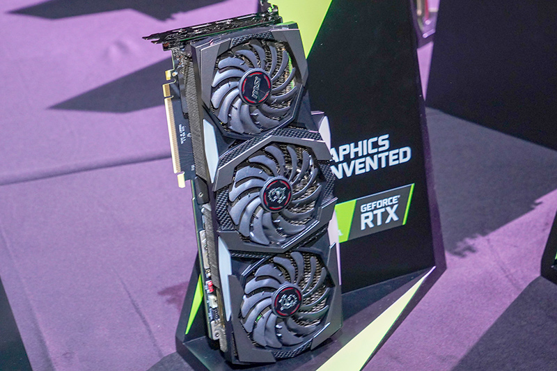 "MSIの<a href=""https://us.msi.com/Graphics-card/GeForce-RTX-2080-Ti-GAMING-X-TRIO"" class=""n"" target=""_blank"">GeForce RTX 2080 Ti GAMING X TRIO</a>"