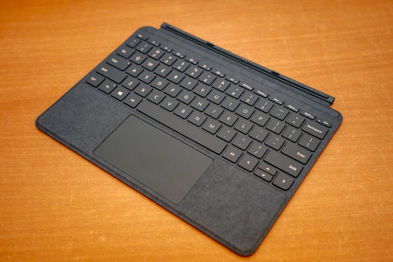 Surface Goのキーボード(英語版、Surface Go Signatureタイプキーボード)