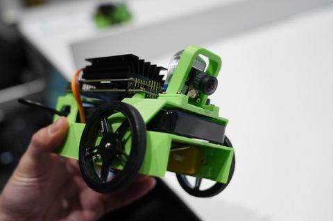 NVIDIA、250ドルでエッジAI入門を実現するJetBotプロジェクトを ~Jetson