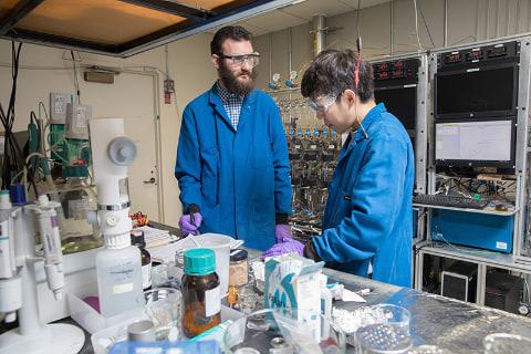 IBM、重金属を含まずリチウムイオンを上回る低コストなバッテリを開発