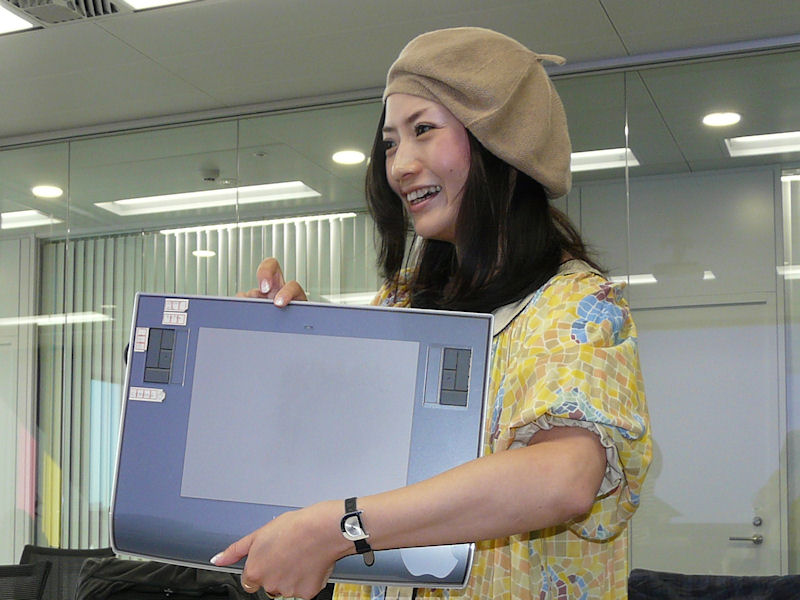 画像] ワコム、イラストレータD[di]氏によるペンタブレット実演