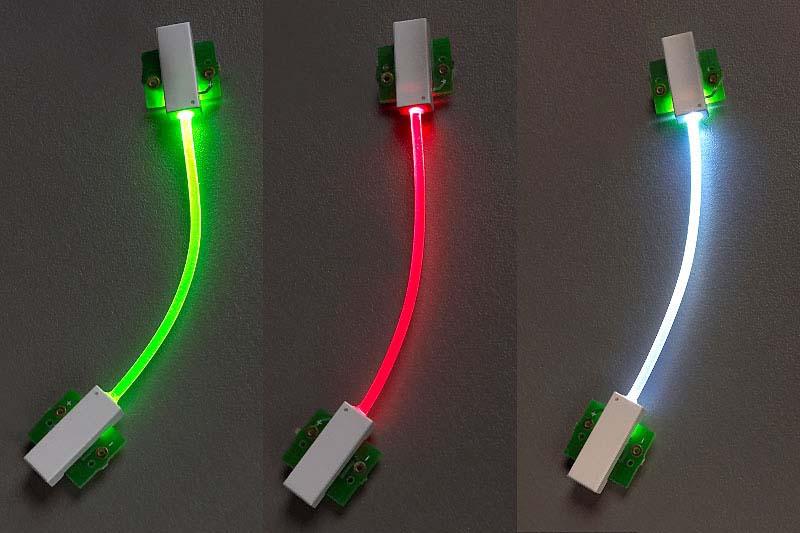 フレックスライト(導光棒)です。ポリウレタン樹脂チューブで、LEDと組み合わせるとチューブ全体が均一に光ります