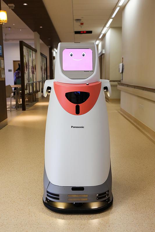 自律搬送ロボット「HOSPI」