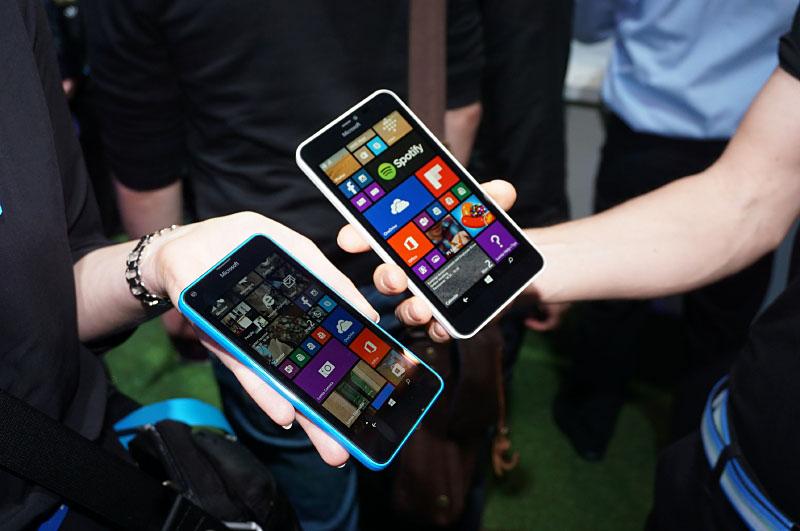 Microsoft windows phone lumia 640 lumia for Window 640 xl